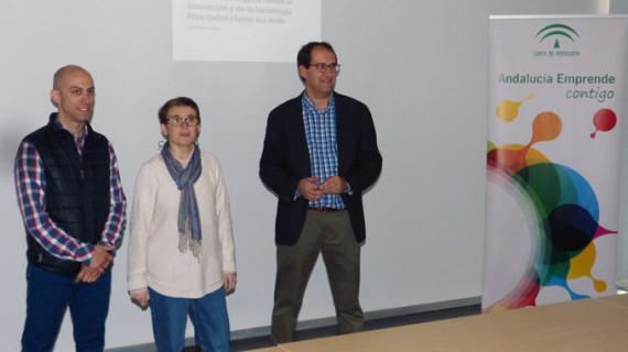 El experto en Marketing digital Javier Angulo imparte una conferencia en la UNIA