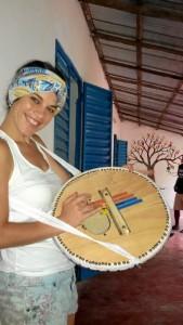 Disfrutando de su experiencia en Senegal el pasado verano, viaje que le he llevado a organizar talleres de música y ritmos africanos en la Sierra de Huelva.