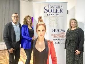 Un momento de la presentación del concierto de Pastora Soler.