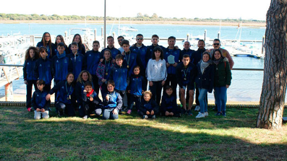 El Real Club Marítimo de Huelva logra 12 medallas en la I Regata de Piragüismo CDN Punta Umbría