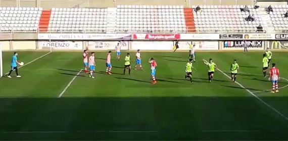 La valentía del Atlético Onubense en Algeciras se topó con el infortunio de un gol en contra en el tiempo añadido (3-2)