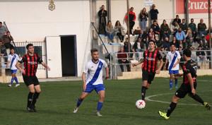 Al Atlético Onubense sólo le vale ganar este miércoles a la UB Lebrijana. / Foto: recrecantera.