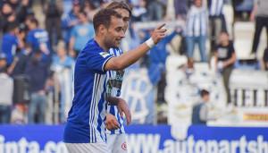 Gorka Santamaría, autor de dos de los tres goles del Recre ante el Écija Balompié. / Foto: Pablo Sayago.