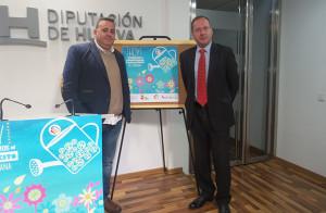 El delegado en Huelva de la Federación Andaluza de Baloncesto, José Luis Pena, izquierda, y el Área de Deportes de la Diputación, Francisco Martínez Ayllón, en la presentación del proyecto.
