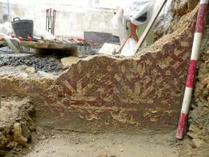Imagen de las pinturas murales descubiertas, de carácter único en Huelva. / Foto: Miguel Ángel López.