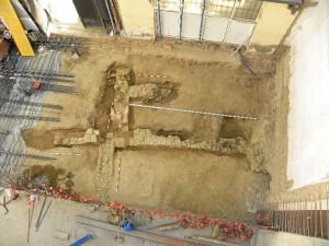 Imagen de los restos de la casa islámica aparecida en la Plaza de San Pedro. / Foto: Miguel Ángel López.