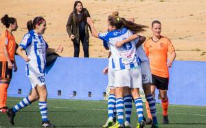 Momento de la mayor alegría del Sporting, tras el gol de Sandra Castelló.