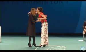 La presidenta de la Junta hace entrega de la Medalla de Andalucía a Carolina Marín.