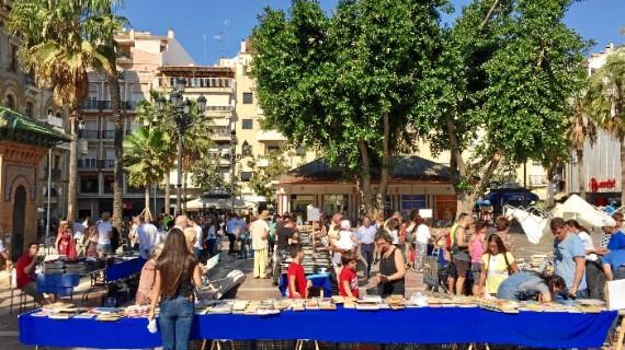 La Plaza de las Monjas acoge un Mercadillo del Libro Solidario a favor de los refugiados
