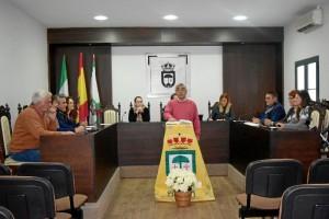 Un momento del Pleno celebrado en el Consistorio de Hinojos.