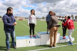 El alcalde de Cartaya, Juan Miguel Polo, y el concejal de Deportes, Manuel Barroso, durante una de las entregas de premios.