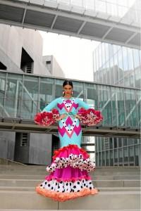 Sus diseños se alejan del típico traje de flamenca.