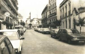 La calle Mendez Nuñez desierta, como el resto de la ciudad, en el tiempo que duró la concentración.