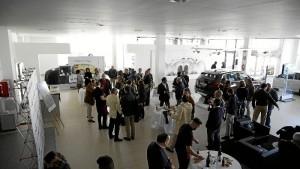 Numerosas personas han querido estar presentes en el acto de presentación. / Foto: Jesús Bellerín.