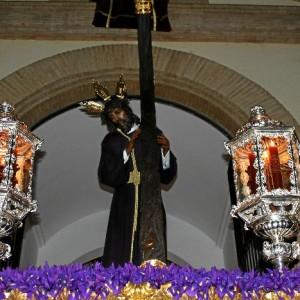 Nuestro Padre Jesús del Calvario en su salida procesional del Lunes Santo.