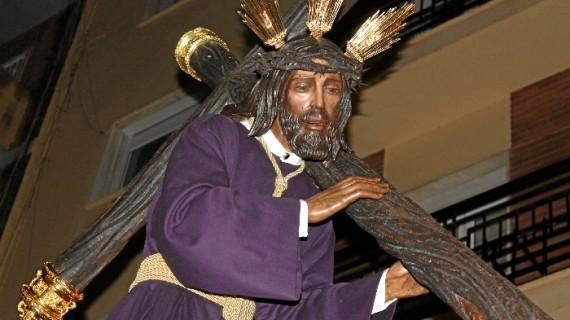 Jesús del Calvario y María Santísima del Rocío y Esperanza impregnan de solemnidad las calles del centro