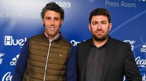 Óscar Carazo -izquierda-, junto a Jesús Pulido, consejero del Recre. / Foto: Manu López / albiazules.es.