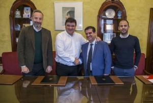 El Ayuntamiento ha firmado un convenio con el Colegio de Administración de Fincas.