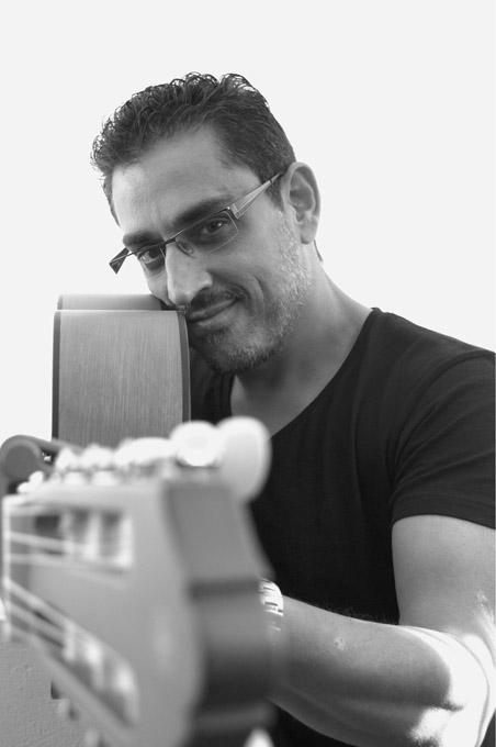 El cantautor isleño Pedro Sosa