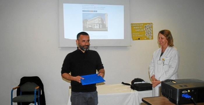 Charla del arqueólogo Diego González Batanero en el Centro Penitenciario de Huelva