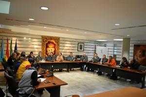La Junta Local de Seguridad de Punta Umbría reunida ayer con el objetivo de potenciar la coordinación entre las fuerzas de orden público en el municipio.