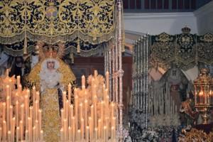 La Virgen de los Dolores en San Francisco con  la Virgen de la Esperanza al fondo. / Foto: Cayetano Burgos.