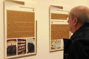 Fotografías, dibujos, acuarelas, libros, legajos, fragmentos de canciones populares y enseres de la vida cotidiana de Whishaw conforman la exposición.