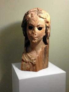 Estado en el que se encontraba la talla de la Virgen de Guadalupe de El Almendro. / Foto: Carrasco Terriza, cedida por Juan Manuel Moreno Orta.