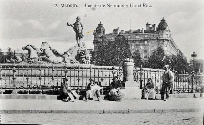 Fuente Neptuno y Ritz