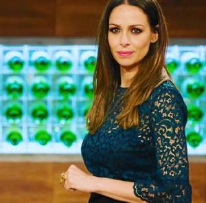 Eva González, luciendo un anillo de Tamara Hidalgo en Master Chef.