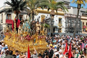 Un momento de la salida procesional de la Borriquita en 2017.