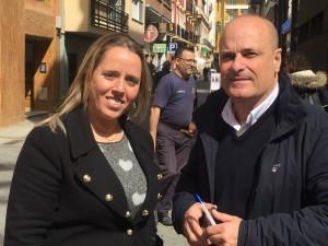 La alcaldesa María Alonso, con el director de HBN, Ramón Fernández Beviá.