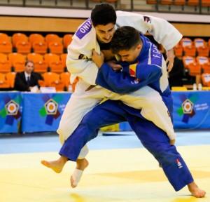 Un momento del combate de Francisco García con el portugués Lucas Catarino, con el bronce en juego. / Foto: European Judo Union / Rui Telmo Romão.