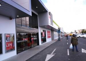 El centro comercial se encuentra a la entrada de Lepe.