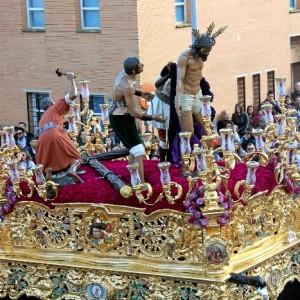Paso de misterio del Cristo de la Victoria, en su salida procesional de este Domingo de Ramos.