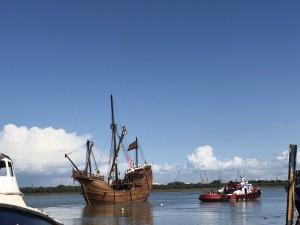Se trata de la embarcación conmemorativa del 525 Aniversario del Encuentro entre dos Mundos.