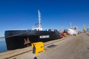 Nueva embarcación multiproducto de Cepsa.