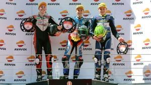 El onubense, en el podio tras la prueba en Estoril.