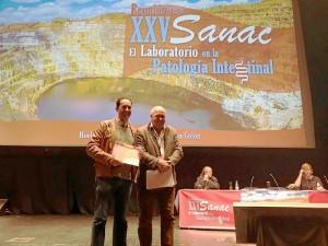 Entrega del premio SANAC a un estudio de investicación en cáncer de mama del hospital Juan Ramón Jiménez.