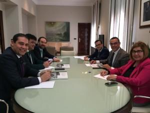 Reunión con los representantes de las diputaciones extremeñas