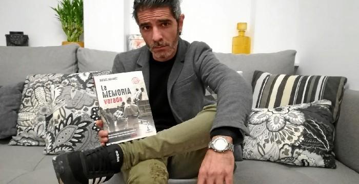 Pábilo Editorial publica la edición ampliada de la novela 'La memoria varada', del periodista Rafael Adamuz