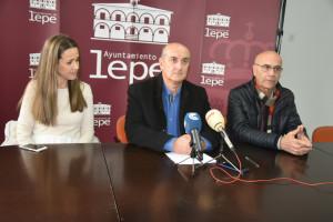 Rueda de prensa ofrecida por el alcalde de Lepe.
