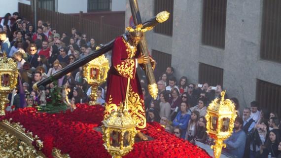 La Sentencia, la Sagrada Lanzada, Estudiantes y Pasión marcan el Martes Santo en Huelva