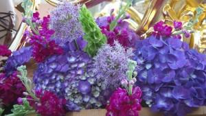 Detalle del exorno floral del paso de misterio.