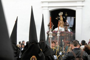 Hermandad del Santo Entierro en su salida procesional del Viernes Santo.