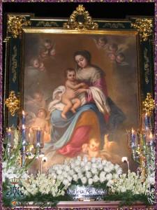 El cuadro de la 'Virgen del Consuelo' sale cada año en procesión por la calles de La Hoz.