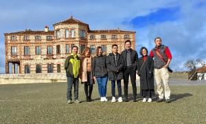 Grupo integrado por 5 personas procedentes del país asiático