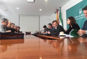 Los regantes de Huelva se han reunido con el consejero de Medio Ambiente.