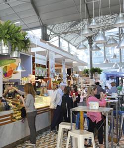 Imagen del centro gastronómico creado en Córdoba en las antiguas instalaciones del Mercado de la Victoria. / Foto: mercadovictoria.com