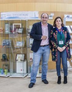 Marcos Martín gerente de EMAHSA e Isabel Castilla,  gerente de Madre Coraje Huelva, en la sede de EMAHSA.